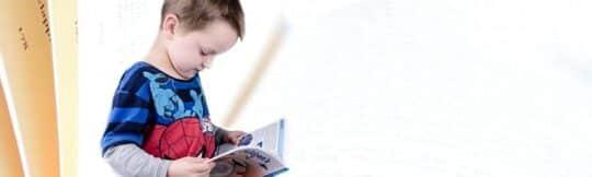 wat doet een kind om moedertaal te leren-foto
