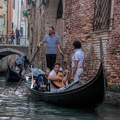 Italiaans vertalen-vakgebieden foto1